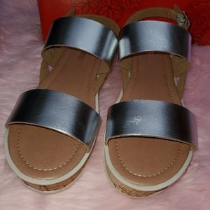Andrea silver sandals